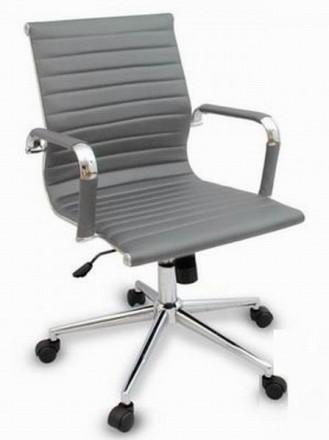 Кресло офисное, средняя спинка, сидение из прошитого кожзама, кресло вращается и. Киев, Киевская область. фото 6