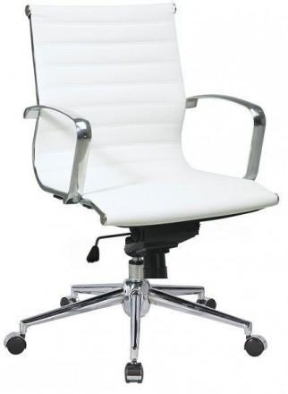 Кресло офисное, средняя спинка, сидение из прошитого кожзама, кресло вращается и. Киев, Киевская область. фото 4