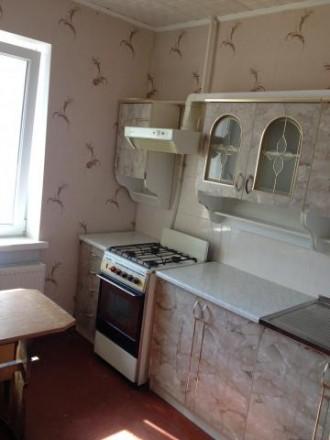 1 комнатная квартира на 1 этаже 9 этажного дома с высоким цоколем по ул. Белова. Чернигов. фото 1