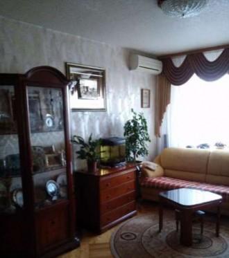 Встроенная кухня, стеклопакеты, паркет, ковролин, плитка в коридоре и кухне, в в. Киев, Киевская область. фото 3