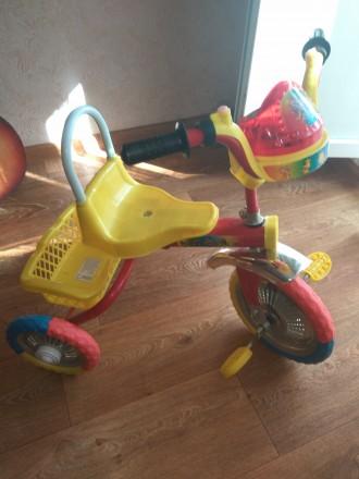 Трехколесный велосипед. Кривой Рог. фото 1