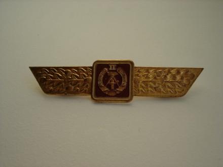 Знак классности военнослужащих ГДР, 2 класс, длина 9.3 см. латунь, оригинал. Киев. фото 1