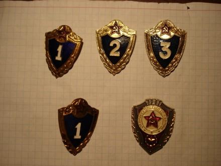 Комплект значков. Солдатская классность Советской армии. Киев. фото 1