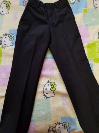 продам школьные брюки тонкие на мальчика