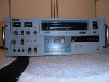 Видеомагнитофон U-Matic Sony VO-7630 Made in Japan. Киев. фото 1