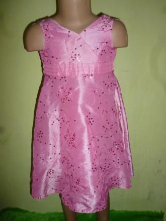 нарядное платье на 4 года. Кременчуг. фото 1