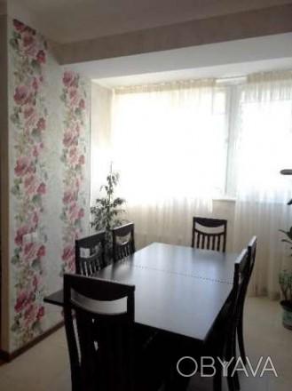 Состояние в квартире хорошее,остается мебель.. Киевский, Донецк, Донецкая область. фото 1