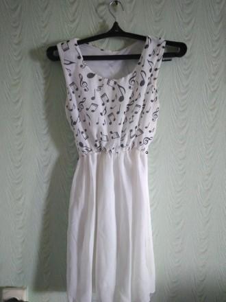 Одето  1 раз. Продаю  потому что не люблю платья, просто занимает место. Чернигов, Черниговская область. фото 3