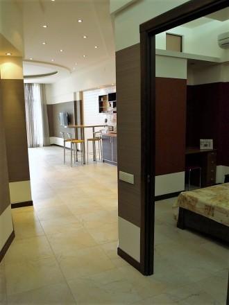 3-х комнатная квартира — 6 спальных мест 8 этаж/11 S≈100 м.кв Роскошные трех ко. Аркадия, Одесса, Одесская область. фото 3