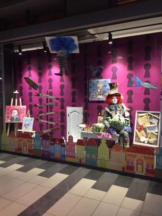 Интерьерная ростовая кукла Шляпник, разработана для витрины магазина Акварель.. Днепр, Днепропетровская область. фото 4