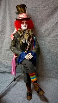 Интерьерная ростовая кукла Шляпник, разработана для витрины магазина Акварель.. Днепр, Днепропетровская область. фото 5