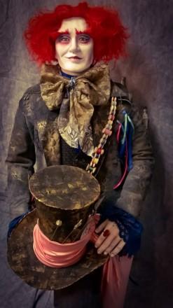 Интерьерная ростовая кукла Шляпник, разработана для витрины магазина Акварель.. Днепр, Днепропетровская область. фото 6