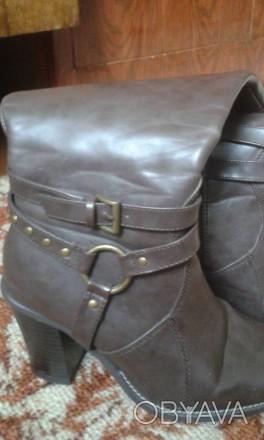 отличные, полностью кожаные добротные демисезонные сапоги,удобная устойчивая кол. Днепр, Днепропетровская область. фото 1