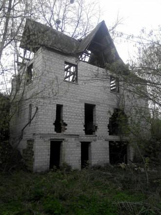 Продам участок 12 соток с 2х этажным недостроенным домом. Богуслав. фото 1
