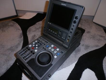 Портативный монтажный видеорекордер DVCAM, DV, Mini DV Sony DSR-70P. Киев. фото 1