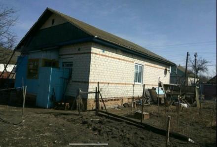 Продаю хороший, тёплый кирпичный дом, построен на основе шпал. Стоят мет.пластик. Городня, Черниговская область. фото 6