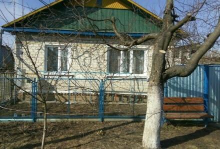 Продаю хороший, тёплый кирпичный дом, построен на основе шпал. Стоят мет.пластик. Городня, Черниговская область. фото 2