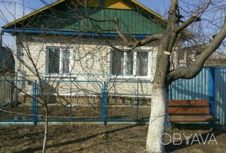 Продаю хороший, тёплый кирпичный дом, построен на основе шпал. Стоят мет.пластик. Городня, Черниговская область. фото 1