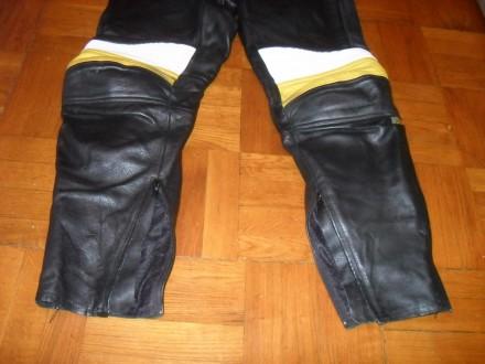Есть ещё несколько мото-курток / костюмов и брюк . Кожаные и из кожзаменителя в . Киев, Киевская область. фото 5