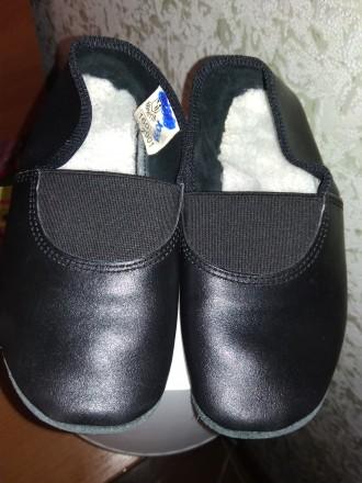 Продам кожаные черные чешки. Чернигов. фото 1