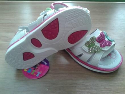 Дитячі босоніжки - купити дитяче взуття на дошці оголошень OBYAVA.ua 6e3044b81f70a