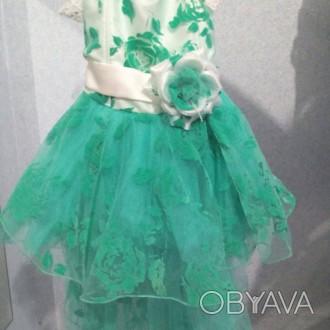 Платья детские в идеальном состоянии без дефектов, можно сказать новые.   Берюз. Алешки (Цюрупинск), Херсонская область. фото 1