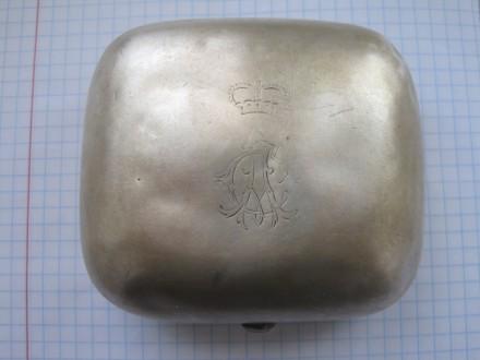 Пудреница с вензелем на крышке  Австро-Венгрия XIX в Серебро 900 проба  125,8 гр. Светловодск. фото 1