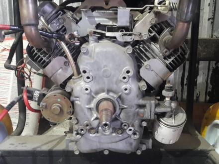 Двигатель briggs stratton бензин 22 л.с четырехтактный, 2 цилиндровый. Днепр. фото 1