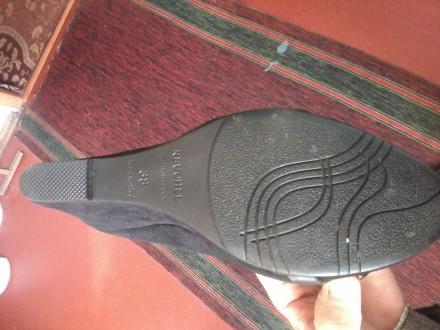 Продам туфли замшевые женские. Белая Церковь. фото 1