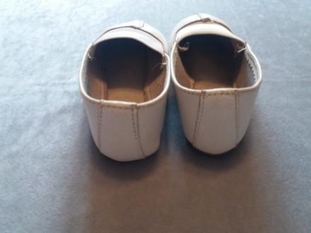 Кожаные детские чешки. 17 см по стельке. В хорошем состоянии (немного сбиты носо. Киев, Киевская область. фото 4