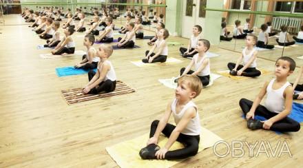 Хореографическая школа, ансамбль «Юность» проводит набор мальчиков и девочек в в. Киев, Киевская область. фото 1