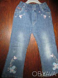 джинсы на девочку 3-5 лет в очень хорошем состоянии,длина брюк 59см,ширина резин. Сумы, Сумская область. фото 2