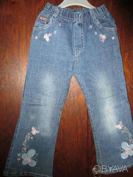 джинсы на девочку 3-5 лет в очень хорошем состоянии,длина брюк 59см,ширина резин. Сумы, Сумская область. фото 1