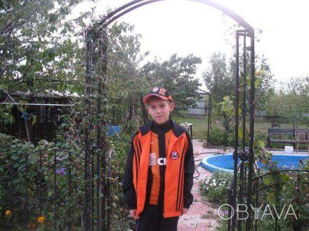 продам новый красивый костюм оранж-черный на подростка 13-14 лет рост 164-176 по. Одесса, Одесская область. фото 1