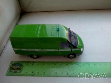 Модель микроавтобуса 1:43