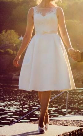 Свадебное платье атлас с карманами и кружевным верхом. Киев. фото 1