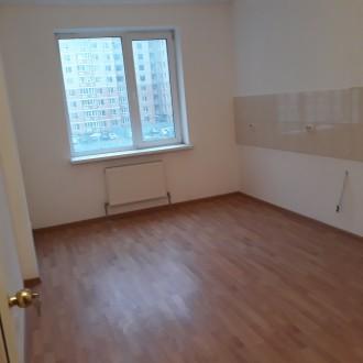 Продам 3-х комнатную квартиру не дорого, в сданном доме с ремонтом. ЖК Янтарный. Одесса, Одесская область. фото 3