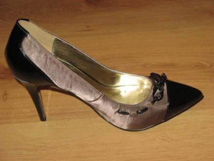 прекрасные туфли итальянской фирмы  REPLAY, р. 40.  Пятки и носок из кожи, встав. Одесса. фото 1