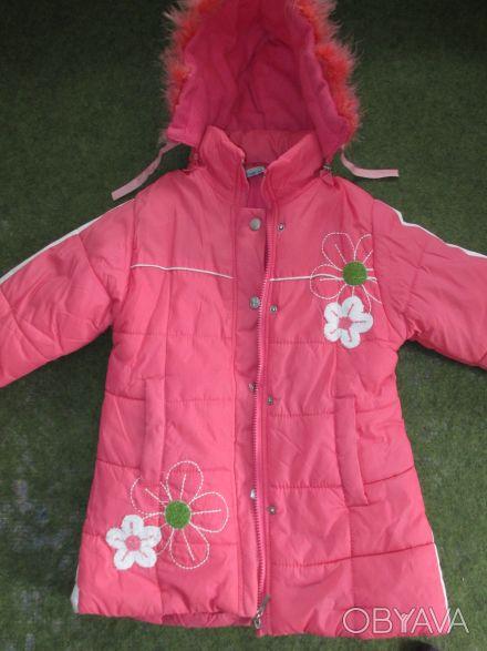 куртка на девочку 5-7 лет ,в хорошем состоянии,почти новая,носилась мало,капюшон. Сумы, Сумская область. фото 1