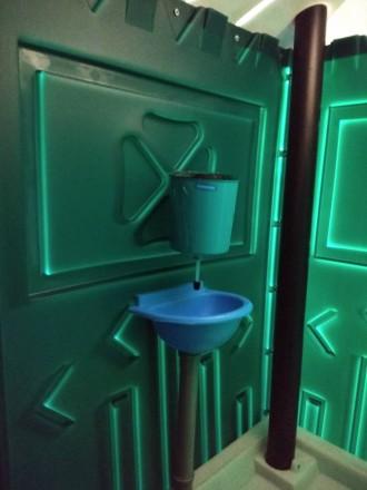 Биотуалет пластиковый передвижной. Киев. фото 1