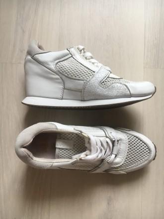 aa4c0a007dcad7 Белые кроссовки Днепр – купить женскую и мужскую обувь на доске ...