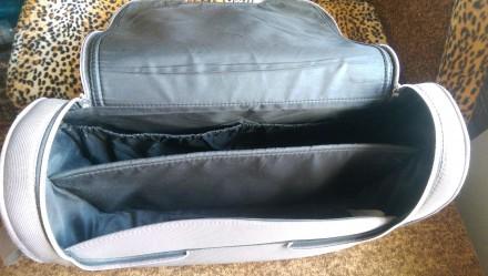 Очень вместительная сумка.Внутри есть два отделения, два кармашка для бутылочек.. Светловодск, Кировоградская область. фото 4