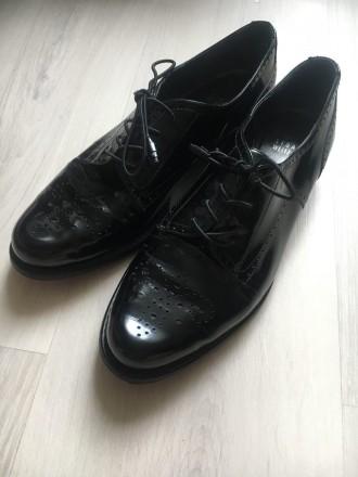 черные лаковые туфли (оксфорд) фирма Стуарт Вейтсман. Киев. фото 1