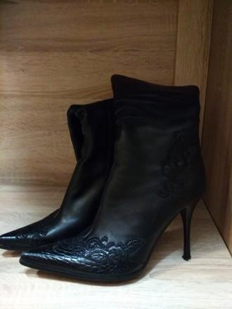 Продам  женскую обувь 37 размер искусственная кожа. Харьков. фото 1