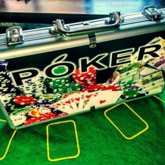 Набор для игры в покер в кейсе 300 фишек с номиналом набор новый. Киев. фото 1