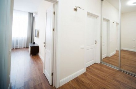 Шикарная 2-х комнатная с дизайнерский евроремонт, кухня-студио, спальня. Встроен. Киев, Киевская область. фото 7
