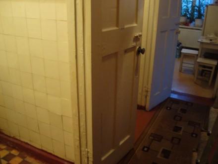 Сталинка, дом кирпичный, 3/4 этаж, площадь 71/48/8, все комнаты раздельные, все . Стаханов, Стаханов, Луганская область. фото 11
