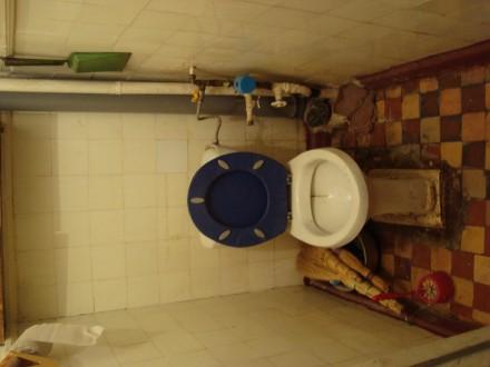 Сталинка, дом кирпичный, 3/4 этаж, площадь 71/48/8, все комнаты раздельные, все . Стаханов, Стаханов, Луганская область. фото 9