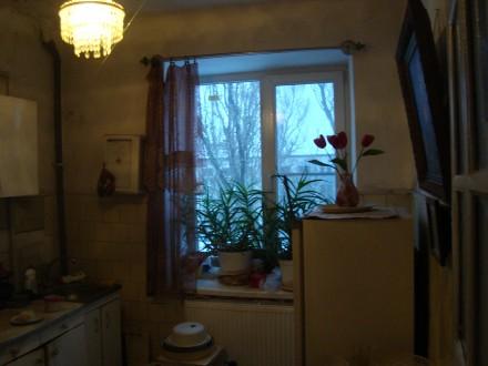Сталинка, дом кирпичный, 3/4 этаж, площадь 71/48/8, все комнаты раздельные, все . Стаханов, Стаханов, Луганская область. фото 4