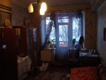 Сталинка, дом кирпичный, 3/4 этаж, площадь 71/48/8, все комнаты раздельные, все . Стаханов, Стаханов, Луганская область. фото 5